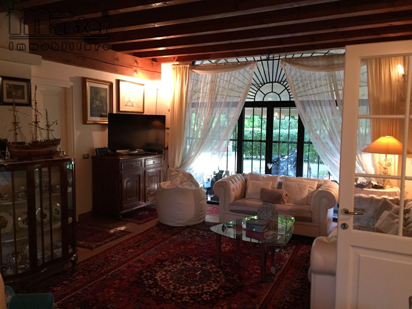 Villa in affitto a Roncade, 5 locali, zona Zona: Musestre, prezzo € 2.000 | CambioCasa.it