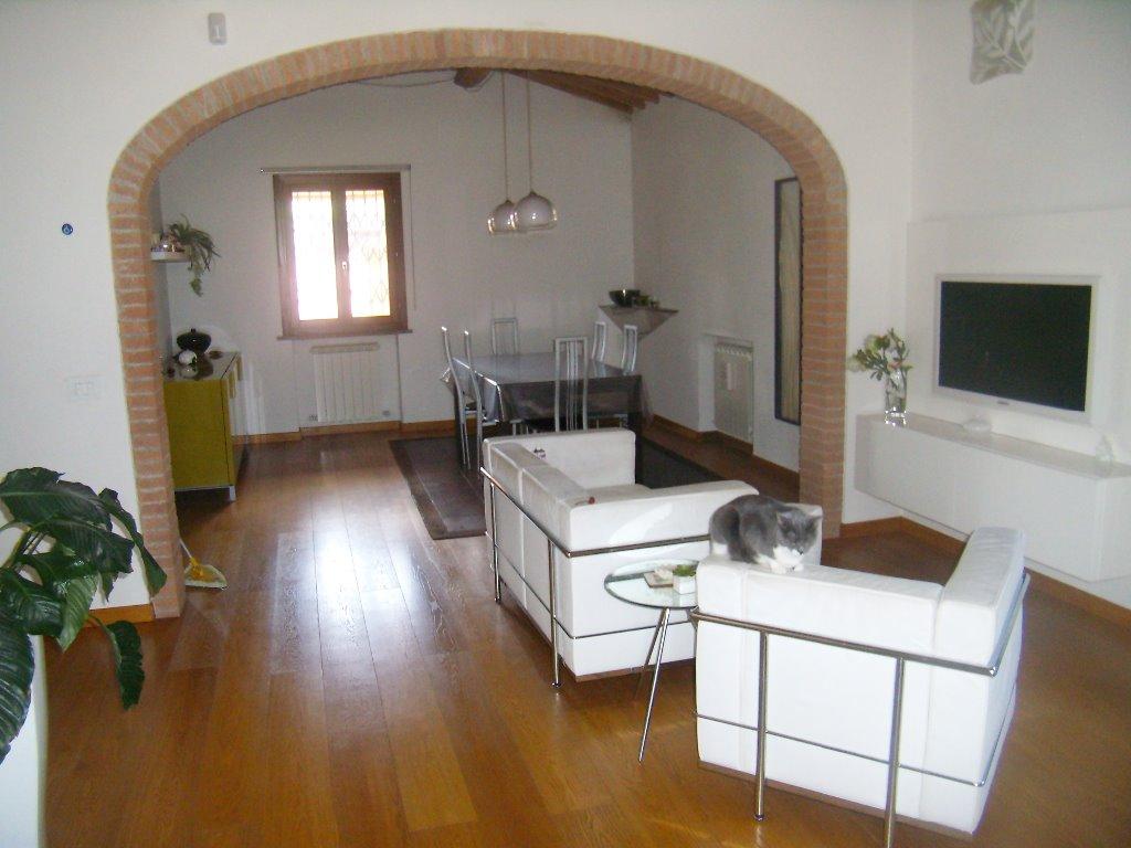 Villa in vendita a San Giuliano Terme, 5 locali, prezzo € 530.000 | CambioCasa.it