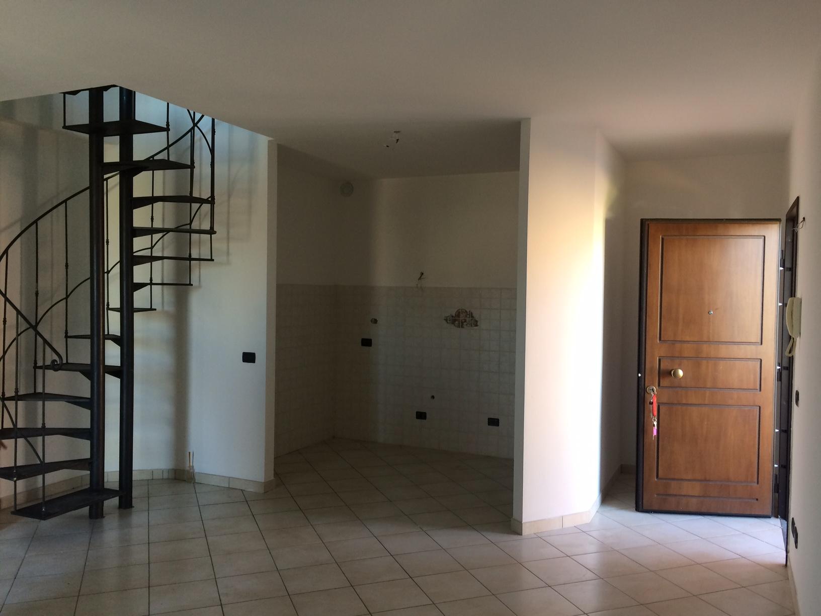 Appartamento in affitto a San Giuliano Terme, 4 locali, prezzo € 800 | CambioCasa.it
