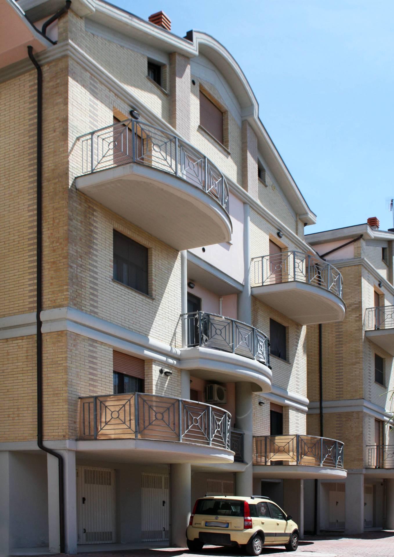 Appartamento in vendita a Monte San Vito, 3 locali, prezzo € 80.000 | Cambio Casa.it