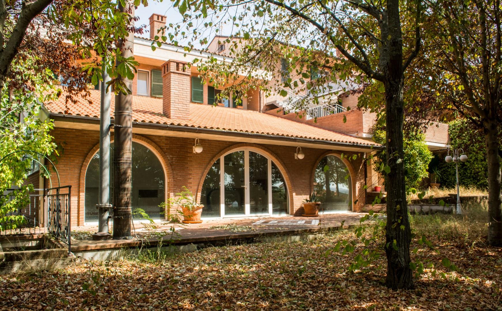 Villa in vendita a Camerata Picena, 10 locali, prezzo € 770.000 | CambioCasa.it