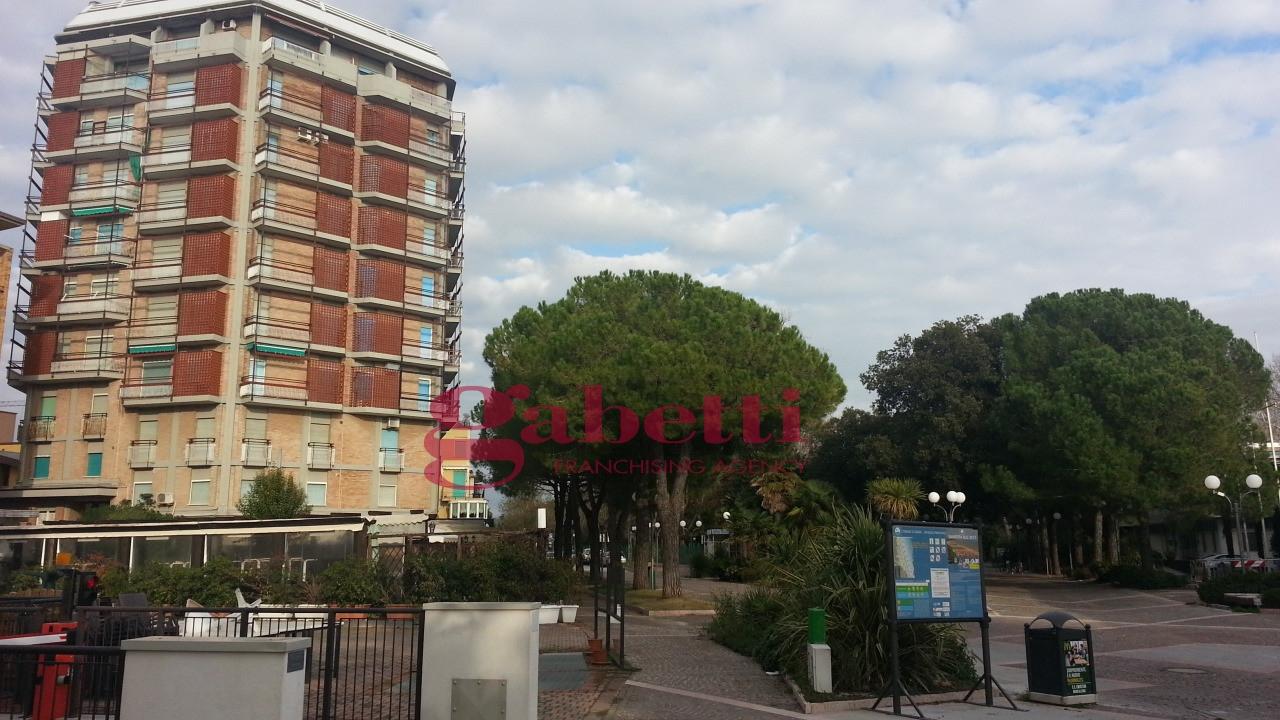 Bilocale Grado Viale Dante Alighieri 8
