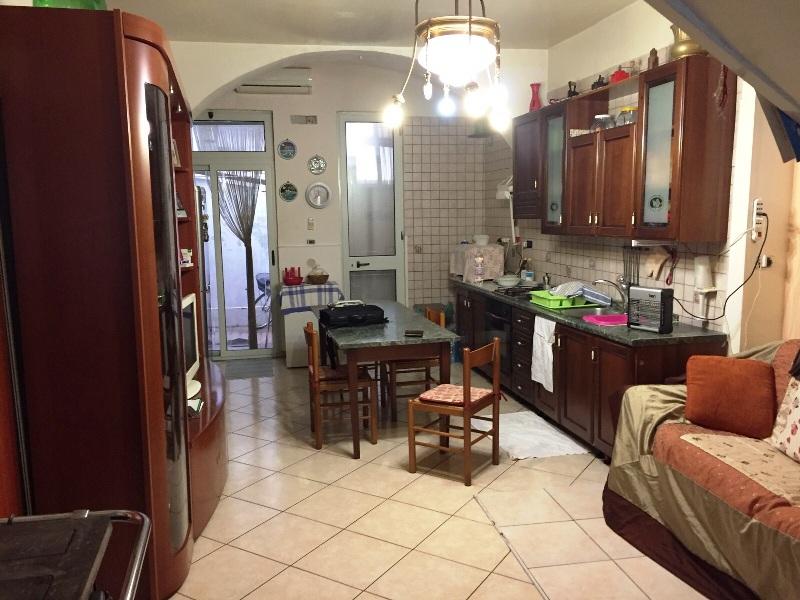 Appartamento in vendita a Cimitile, 3 locali, prezzo € 85.000 | CambioCasa.it