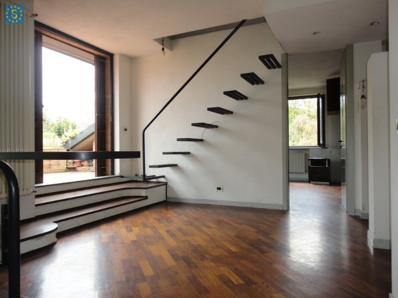 Villa in vendita a Calcinaia, 7 locali, zona Zona: Oltrarno, prezzo € 630.000 | Cambio Casa.it