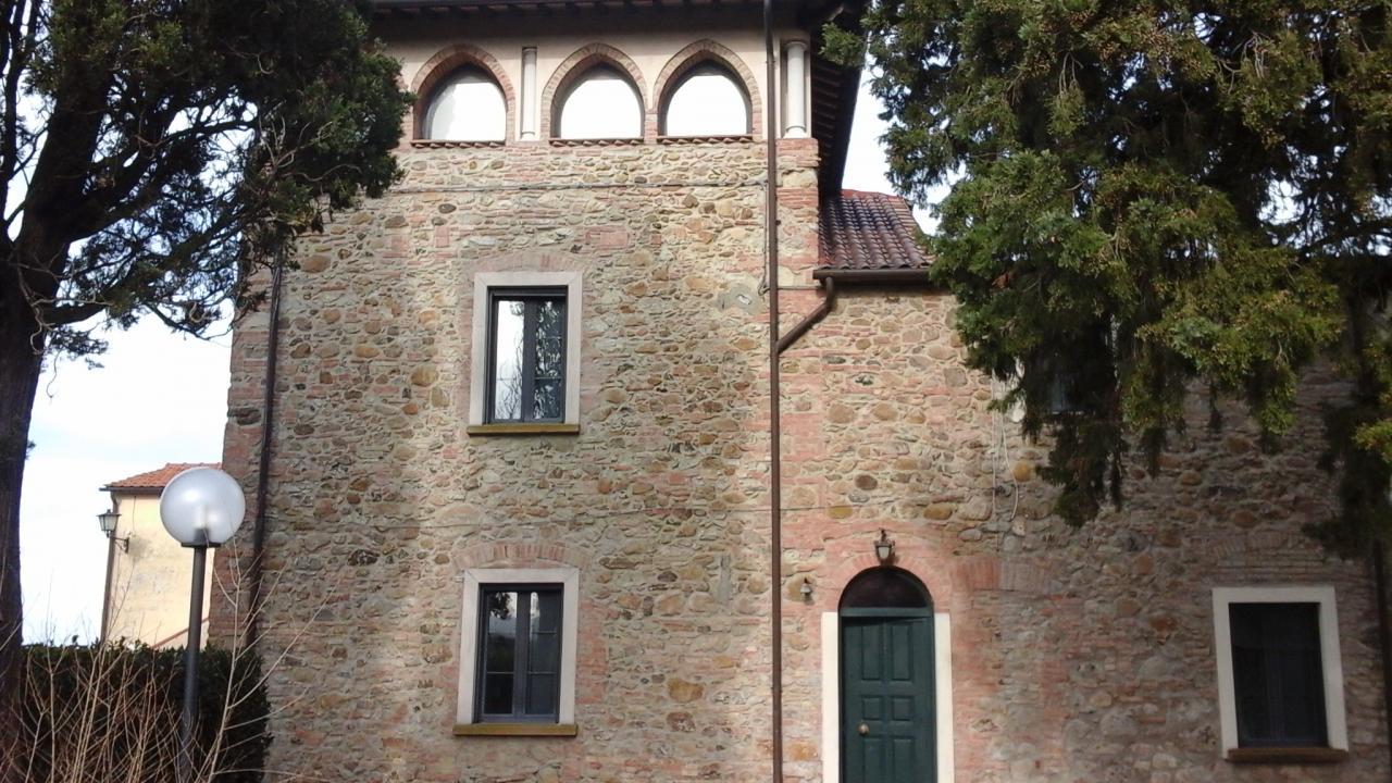 Rustico / Casale in vendita a Santa Luce, 28 locali, Trattative riservate | CambioCasa.it