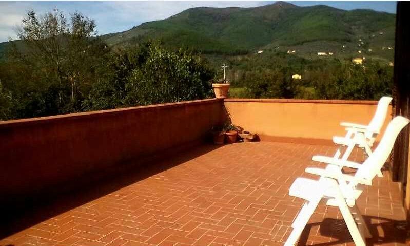 Villa in vendita a Vicopisano, 8 locali, prezzo € 380.000 | Cambio Casa.it