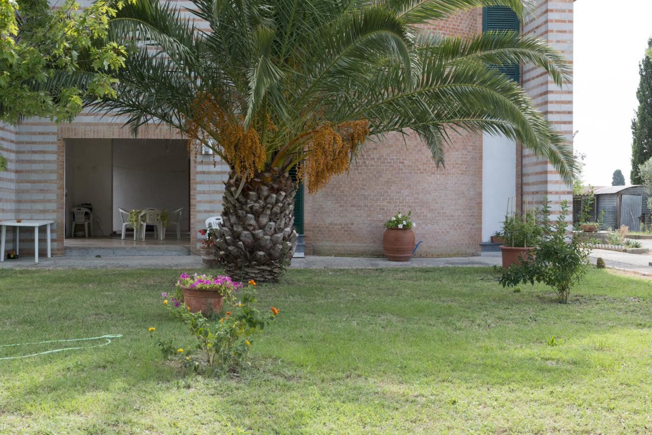 Villa in vendita a Ponsacco, 8 locali, prezzo € 380.000 | Cambio Casa.it