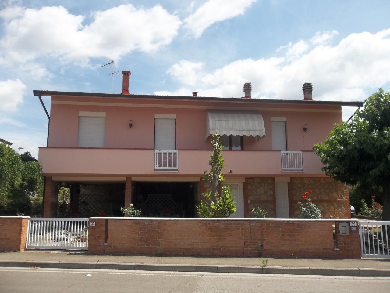 Villa in vendita a Ponsacco, 270 locali, prezzo € 580.000   Cambio Casa.it