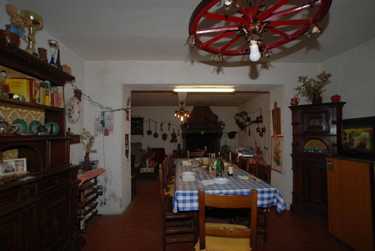 Rustico / Casale in vendita a Pontedera, 6 locali, prezzo € 218.000 | Cambio Casa.it