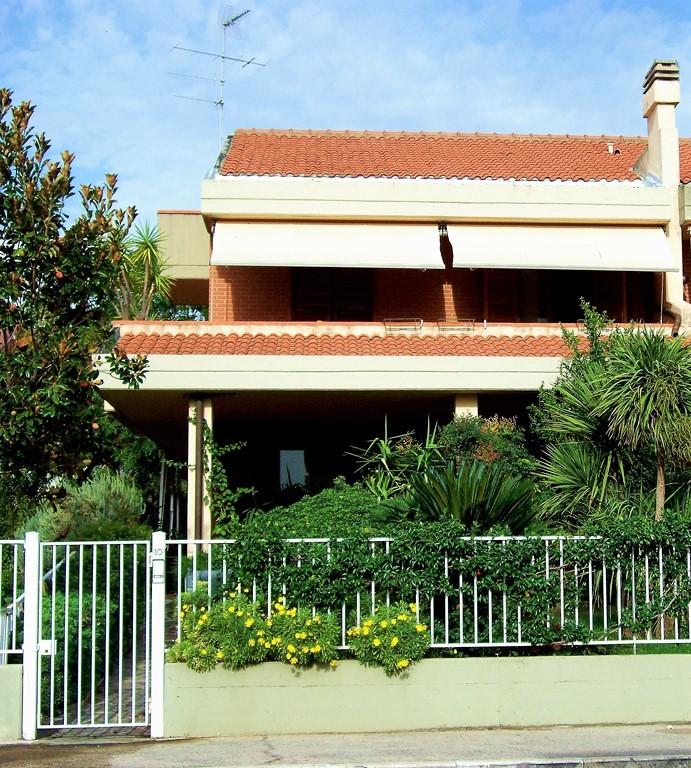 Villa Bifamiliare in vendita a Grosseto, 6 locali, prezzo € 850.000 | Cambio Casa.it