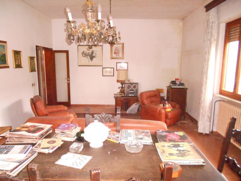 Villa in vendita a San Giuliano Terme, 5 locali, prezzo € 470.000 | CambioCasa.it