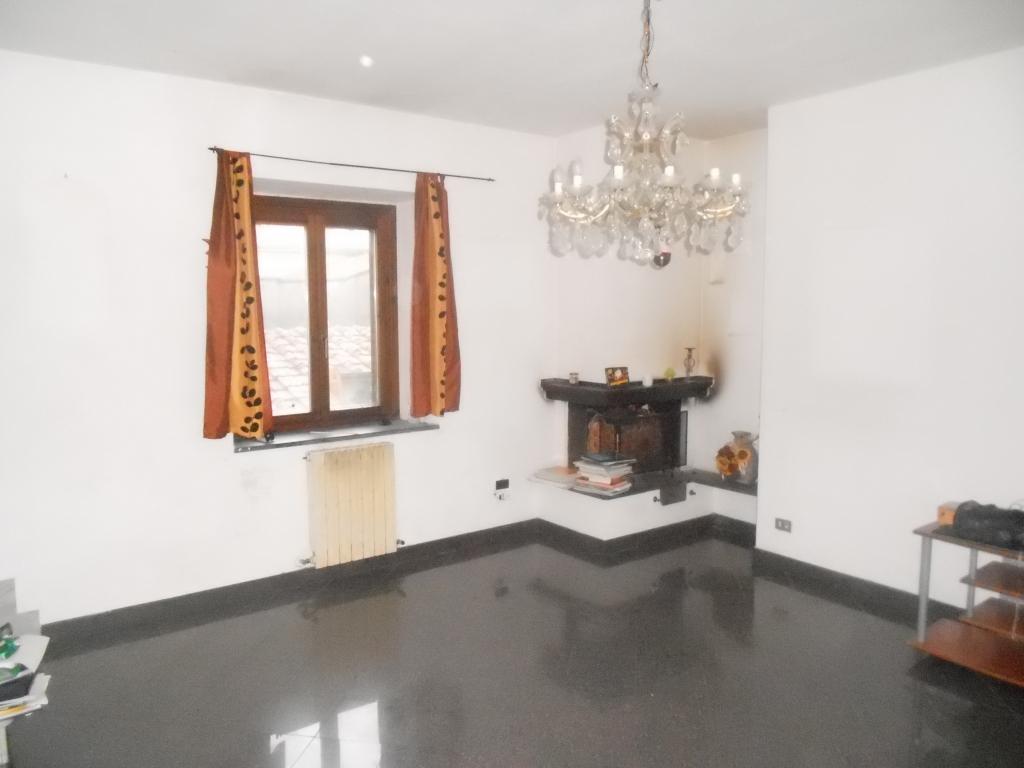 Appartamento in vendita a Vecchiano, 4 locali, zona Località: Filettole, prezzo € 145.000   Cambio Casa.it