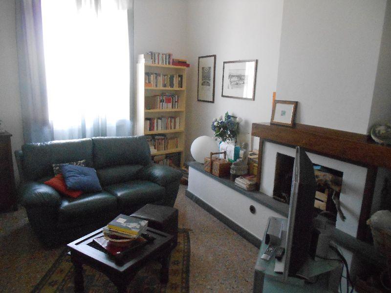 Appartamento in vendita a Pisa, 5 locali, prezzo € 260.000 | CambioCasa.it