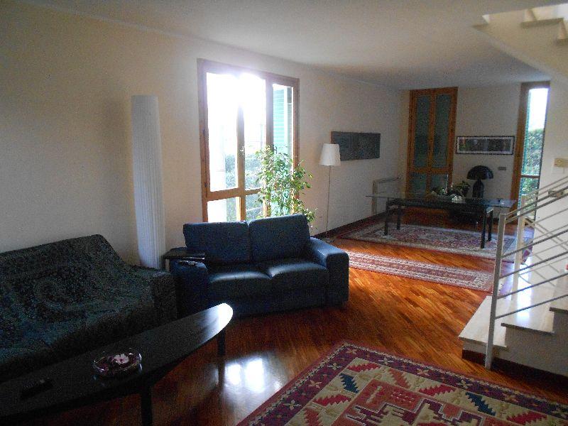 Villa Bifamiliare in vendita a San Giuliano Terme, 6 locali, prezzo € 315.000 | Cambio Casa.it