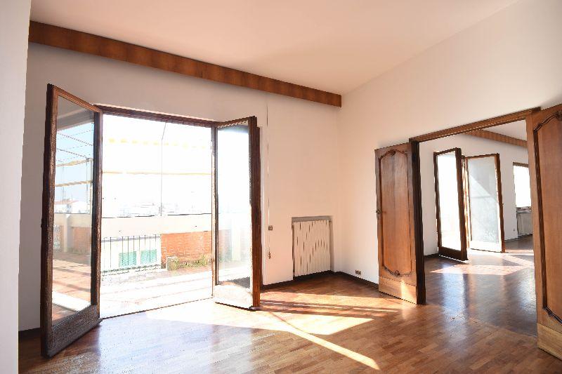 Appartamento in vendita a Pisa, 8 locali, prezzo € 650.000 | CambioCasa.it