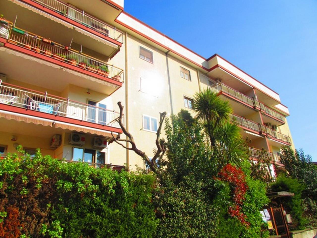 Appartamento in vendita a Maddaloni, 3 locali, prezzo € 120.000 | CambioCasa.it