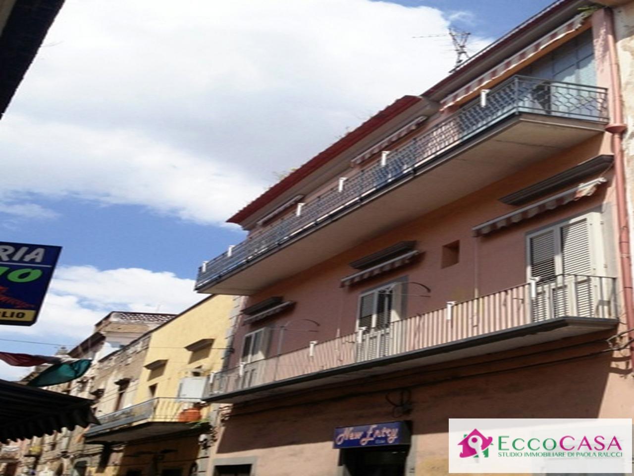 Soluzione Indipendente in vendita a Maddaloni, 6 locali, prezzo € 150.000 | Cambio Casa.it