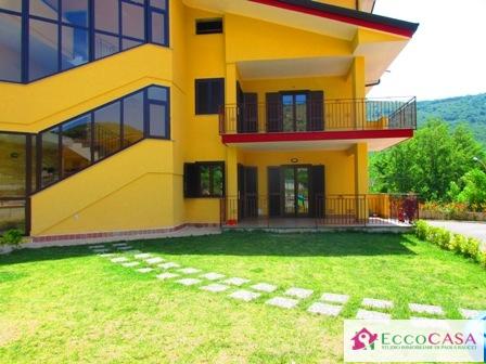 Appartamento in affitto a Valle di Maddaloni, 4 locali, prezzo € 355 | Cambio Casa.it