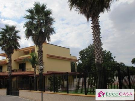 Villa in vendita a Maddaloni, 5 locali, prezzo € 320.000 | Cambio Casa.it