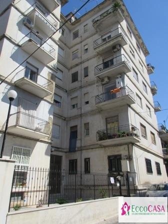 Appartamento in vendita a Maddaloni, 3 locali, prezzo € 65.000   Cambio Casa.it