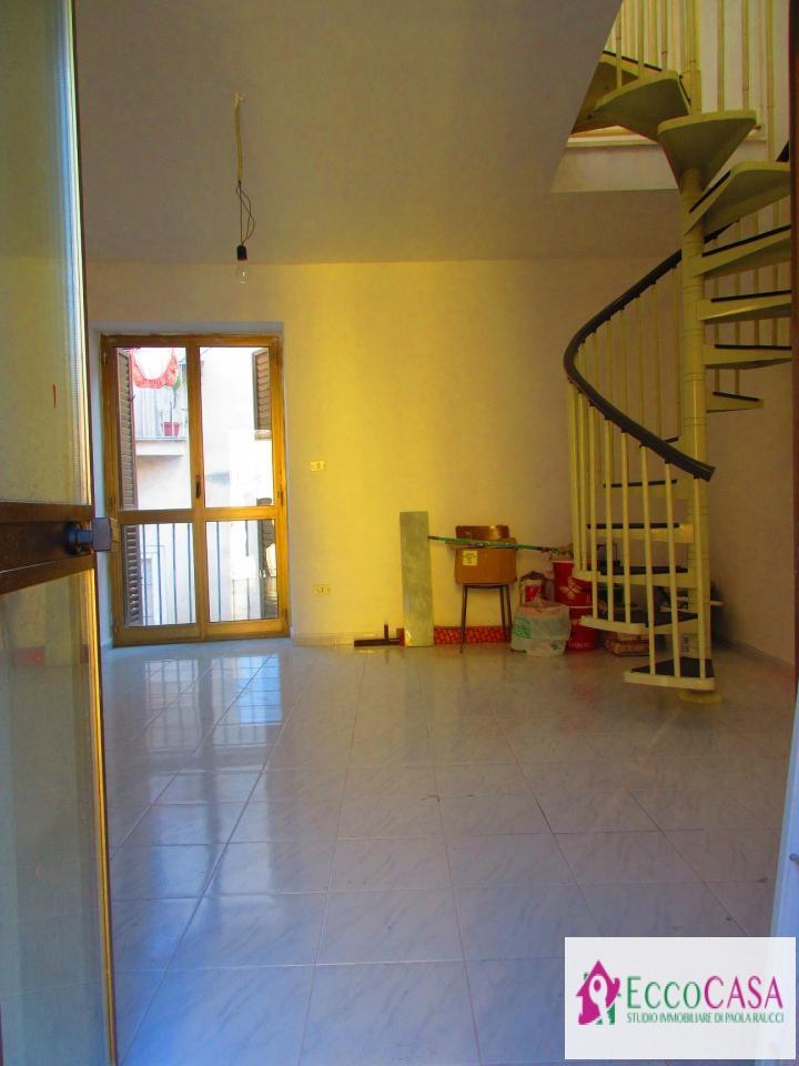 Appartamento in vendita a Maddaloni, 2 locali, prezzo € 38.000 | Cambio Casa.it