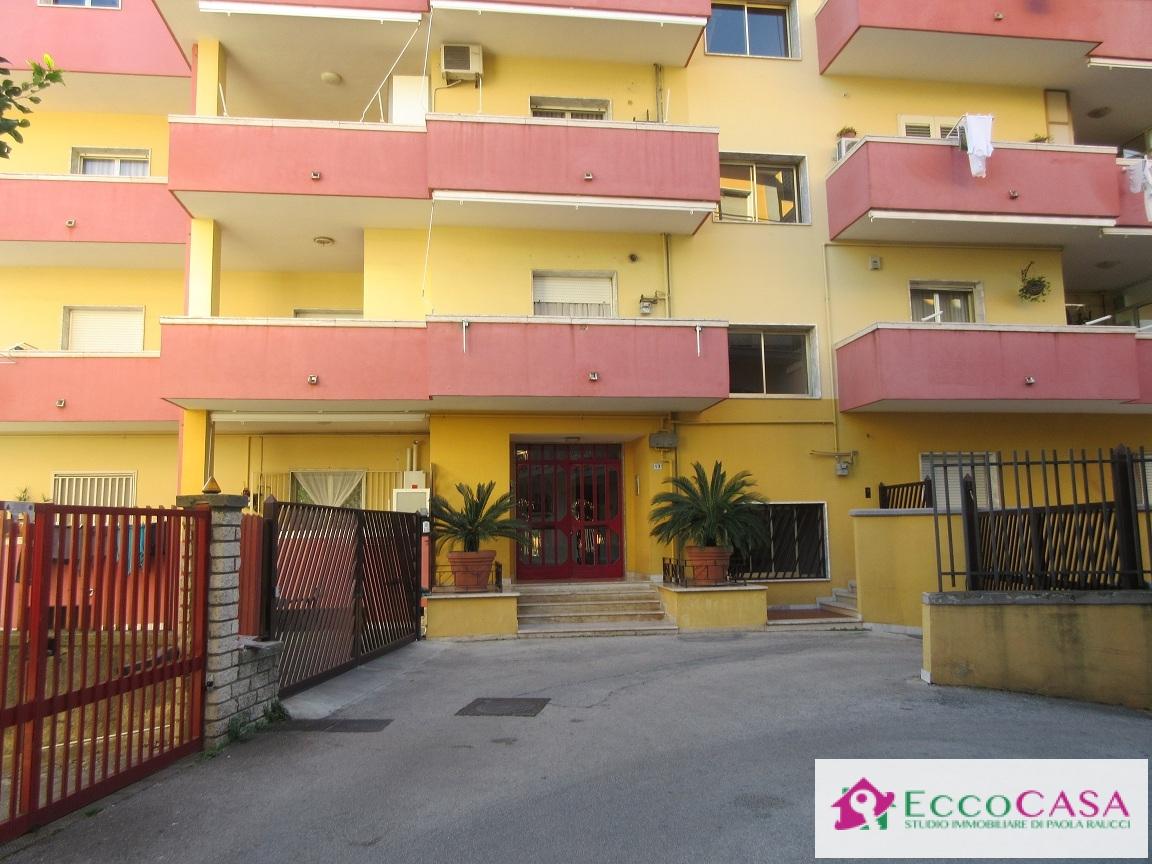 Appartamento in vendita a Maddaloni, 3 locali, prezzo € 107.000   Cambio Casa.it