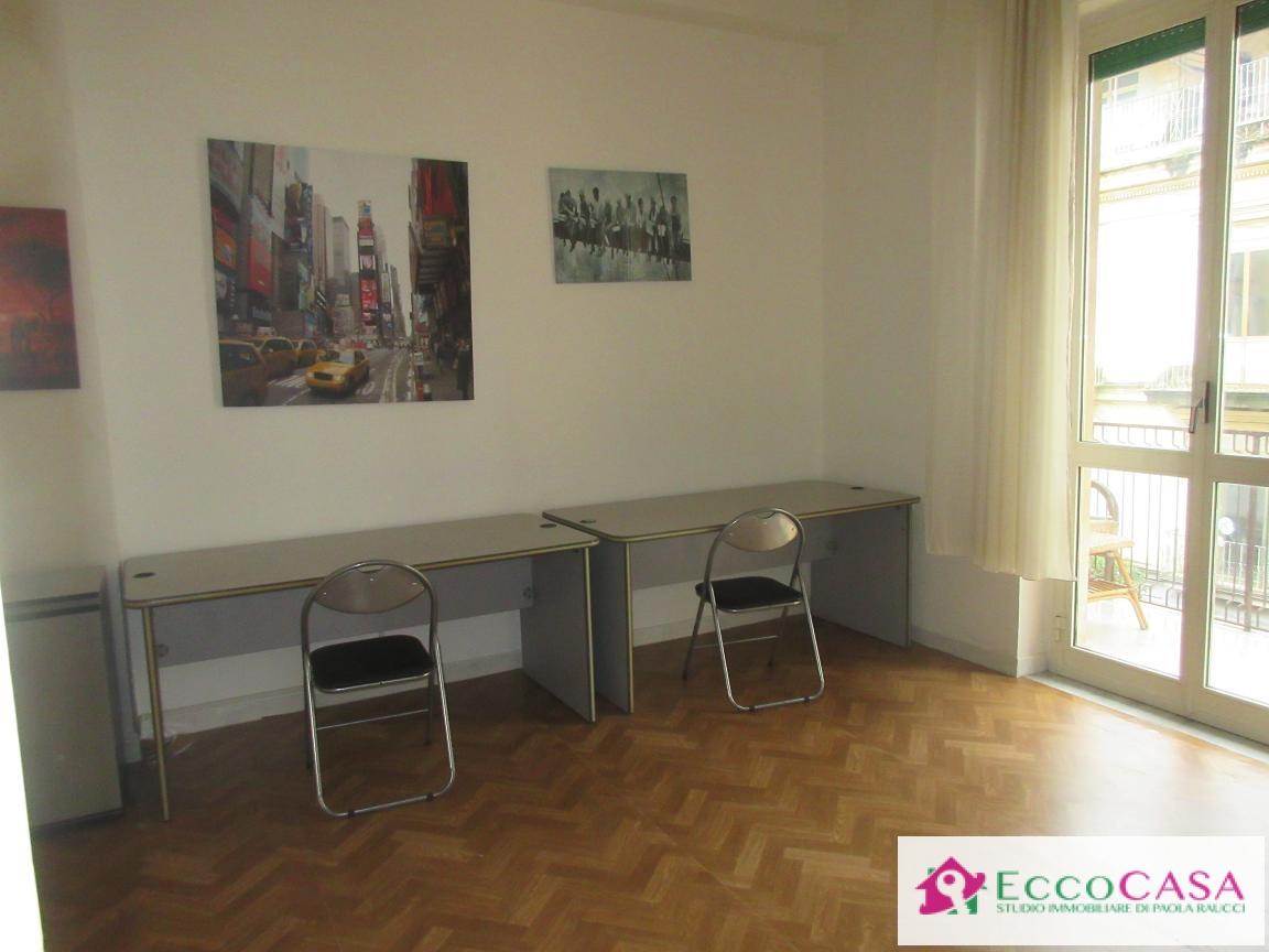 Ufficio / Studio in affitto a Maddaloni, 9999 locali, prezzo € 150 | Cambio Casa.it