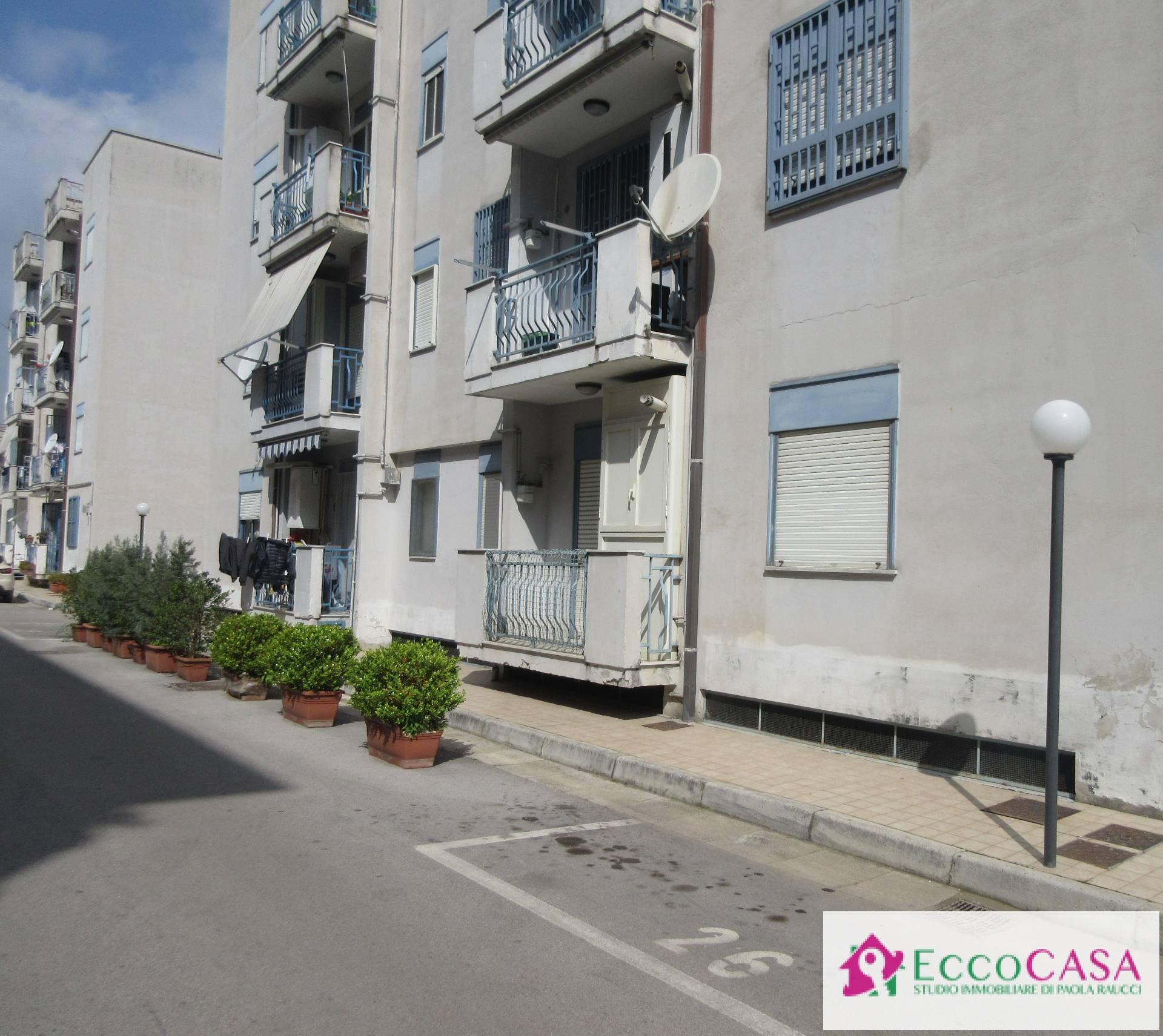 Appartamento in vendita a Maddaloni, 4 locali, prezzo € 105.000   Cambio Casa.it