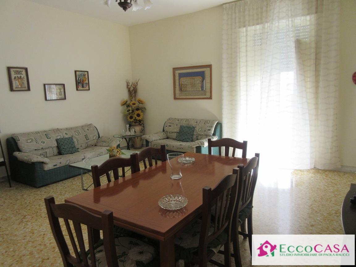 Appartamento in vendita a Maddaloni, 4 locali, prezzo € 66.000 | CambioCasa.it