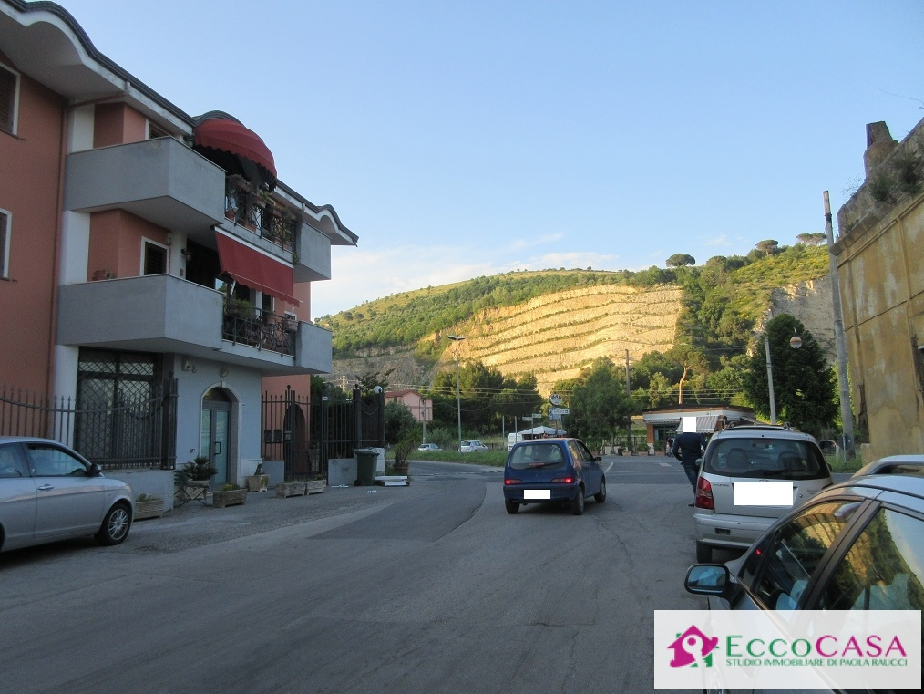Bilocale Maddaloni Via Ponte Carolino 2