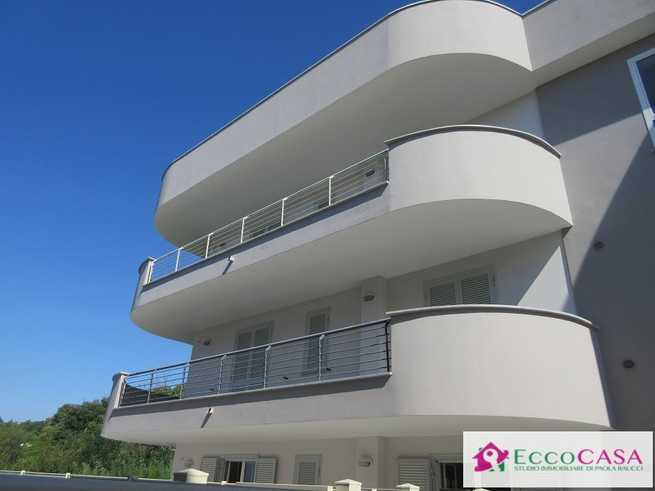 Appartamento in vendita a Maddaloni, 3 locali, zona Zona: Montedecoro, prezzo € 115.000 | Cambio Casa.it