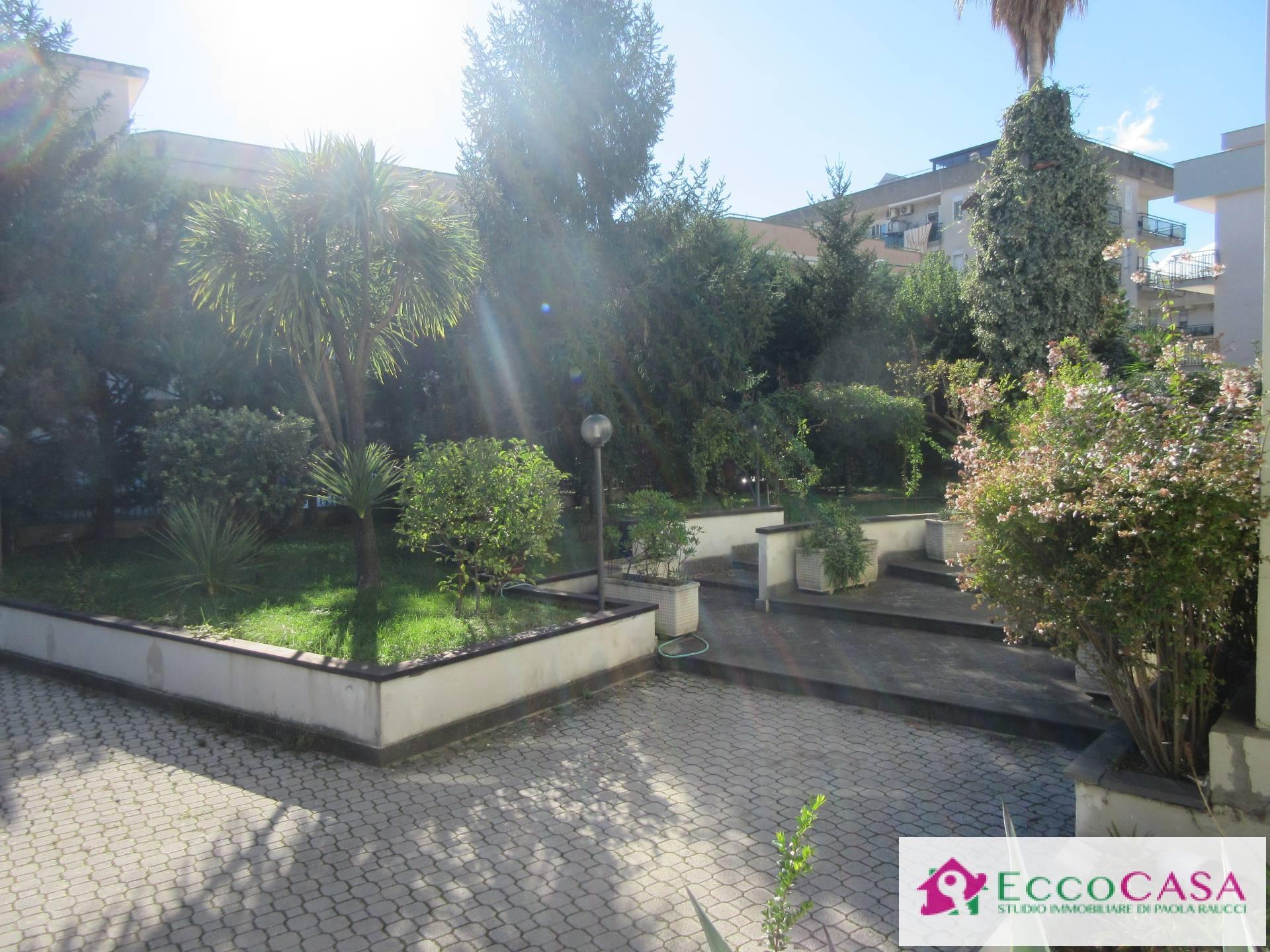 Villa in affitto a Maddaloni, 20 locali, Trattative riservate | Cambio Casa.it