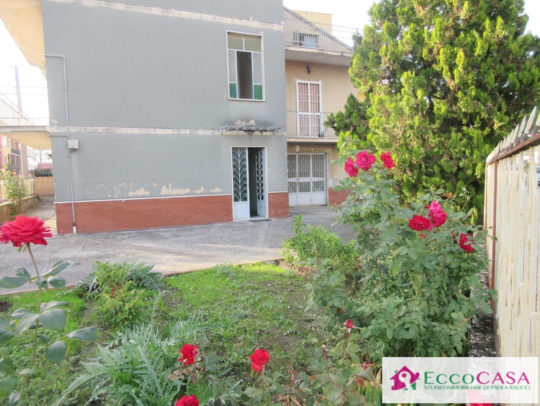 Soluzione Indipendente in vendita a Maddaloni, 6 locali, prezzo € 295.000 | Cambio Casa.it