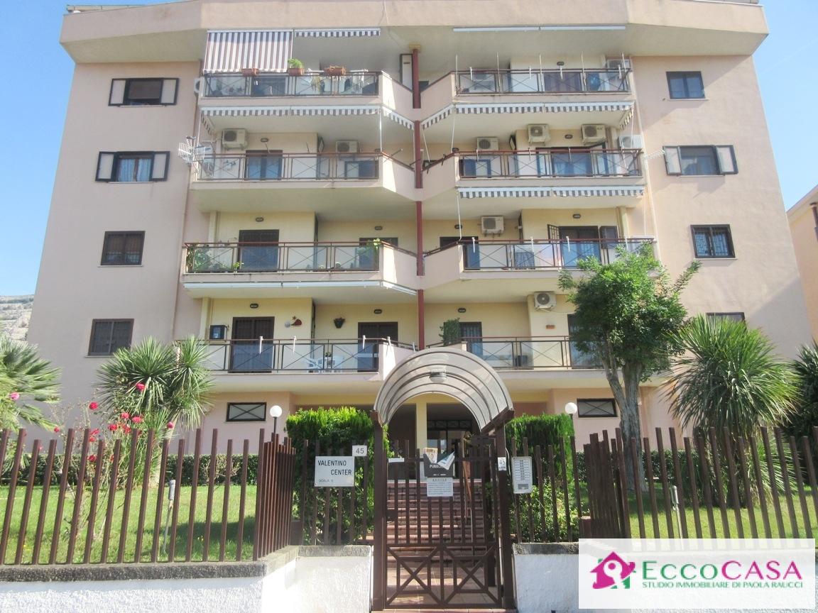 Appartamento in vendita a Maddaloni, 4 locali, prezzo € 148.000 | Cambio Casa.it