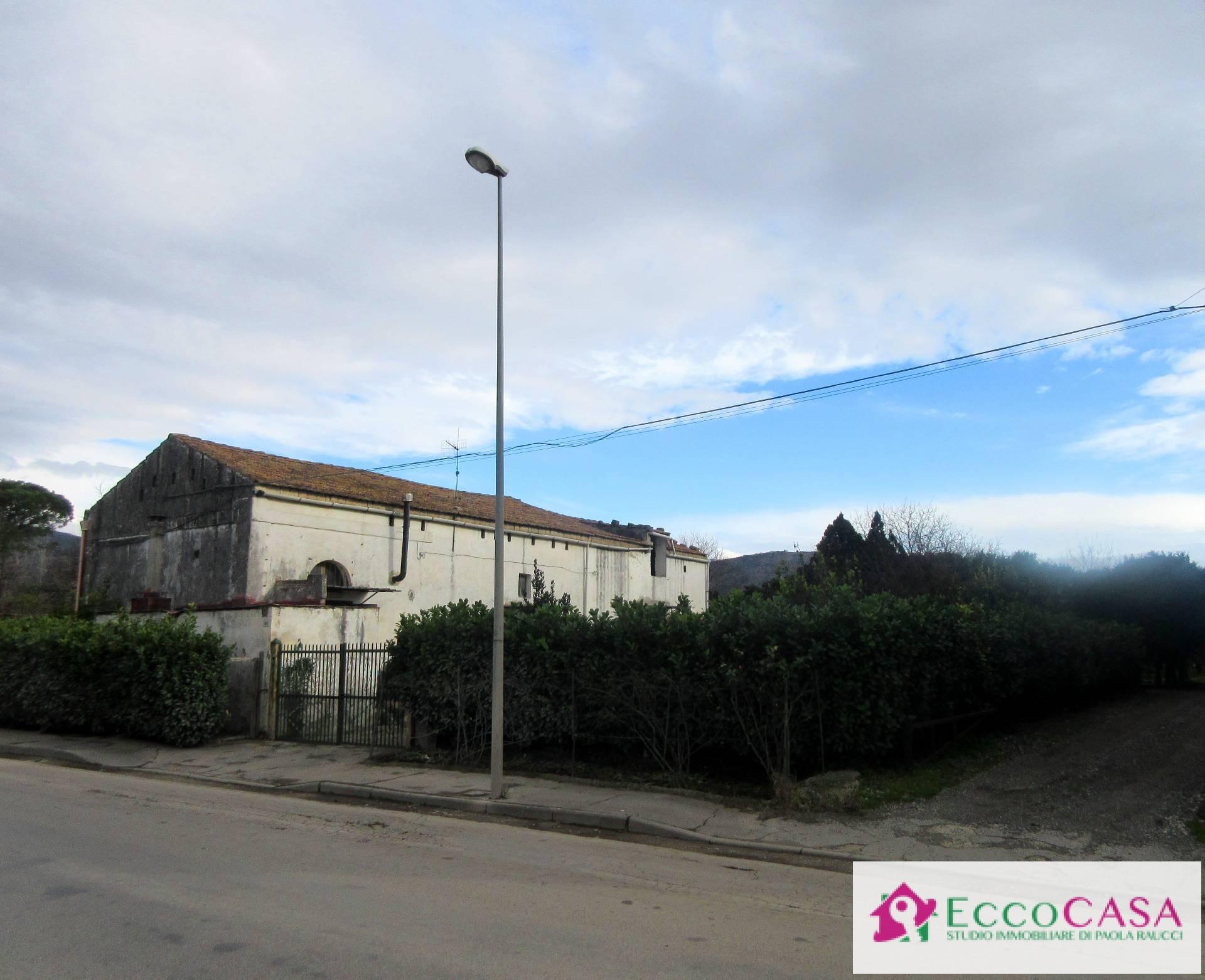 Soluzione Indipendente in vendita a Maddaloni, 4 locali, prezzo € 120.000 | CambioCasa.it