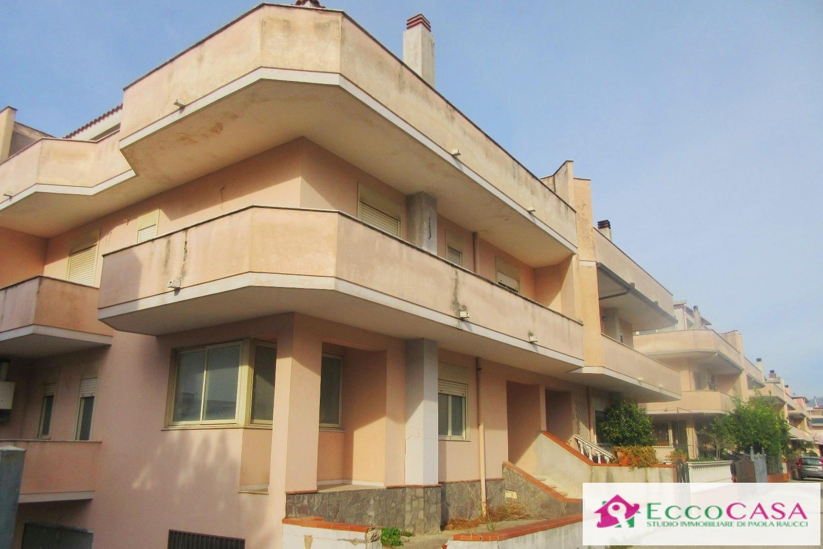Villa a Schiera in vendita a Maddaloni, 6 locali, prezzo € 295.000   Cambio Casa.it
