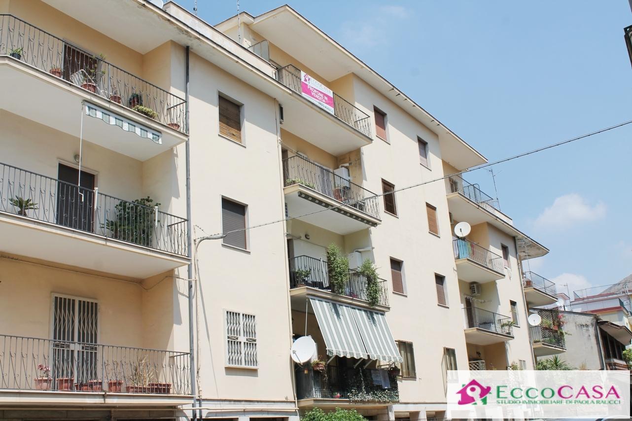 Appartamento in vendita a Maddaloni, 4 locali, prezzo € 95.000 | CambioCasa.it