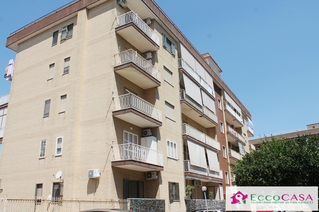 Appartamento in affitto a Maddaloni, 4 locali, prezzo € 450   CambioCasa.it