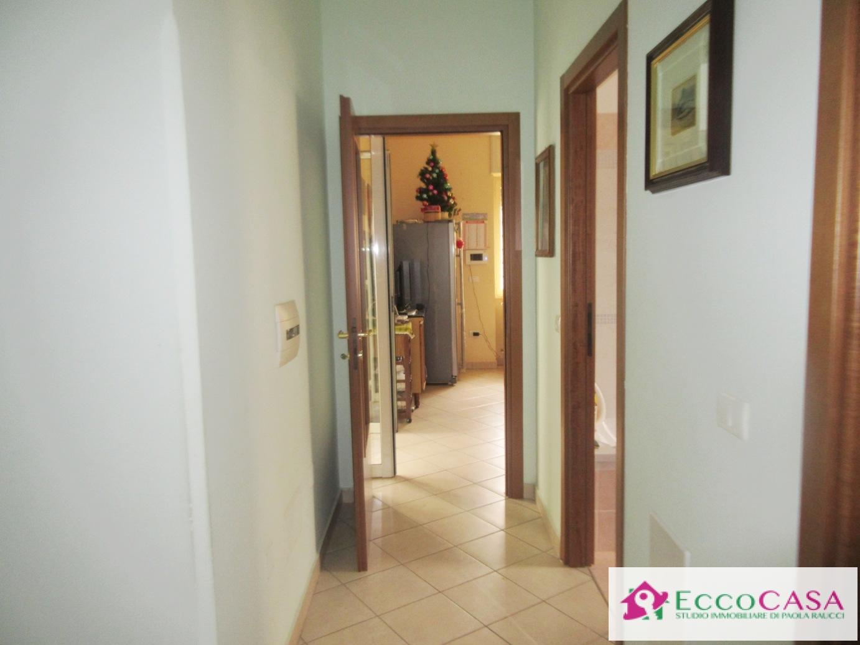 Appartamento in affitto a Maddaloni, 3 locali, prezzo € 450 | CambioCasa.it