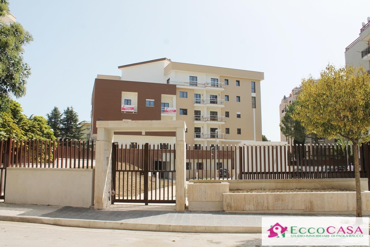 Appartamento in vendita a Maddaloni, 9999 locali, Trattative riservate | CambioCasa.it