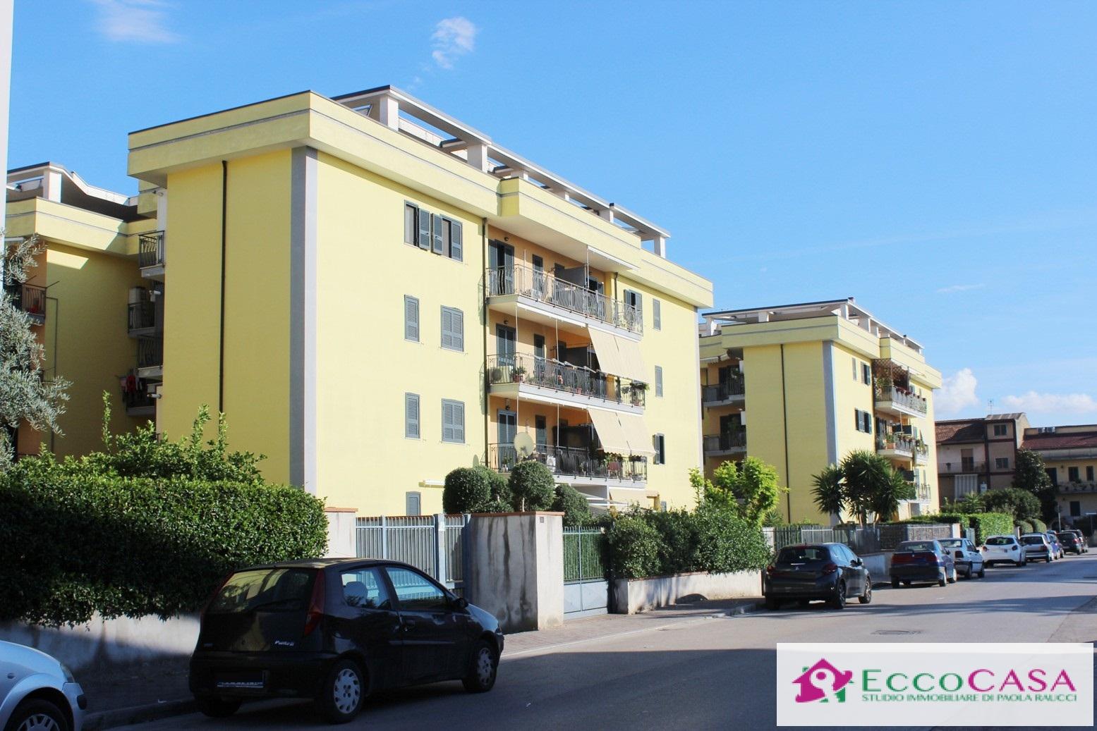 Appartamento in vendita a Maddaloni, 4 locali, prezzo € 160.000 | CambioCasa.it