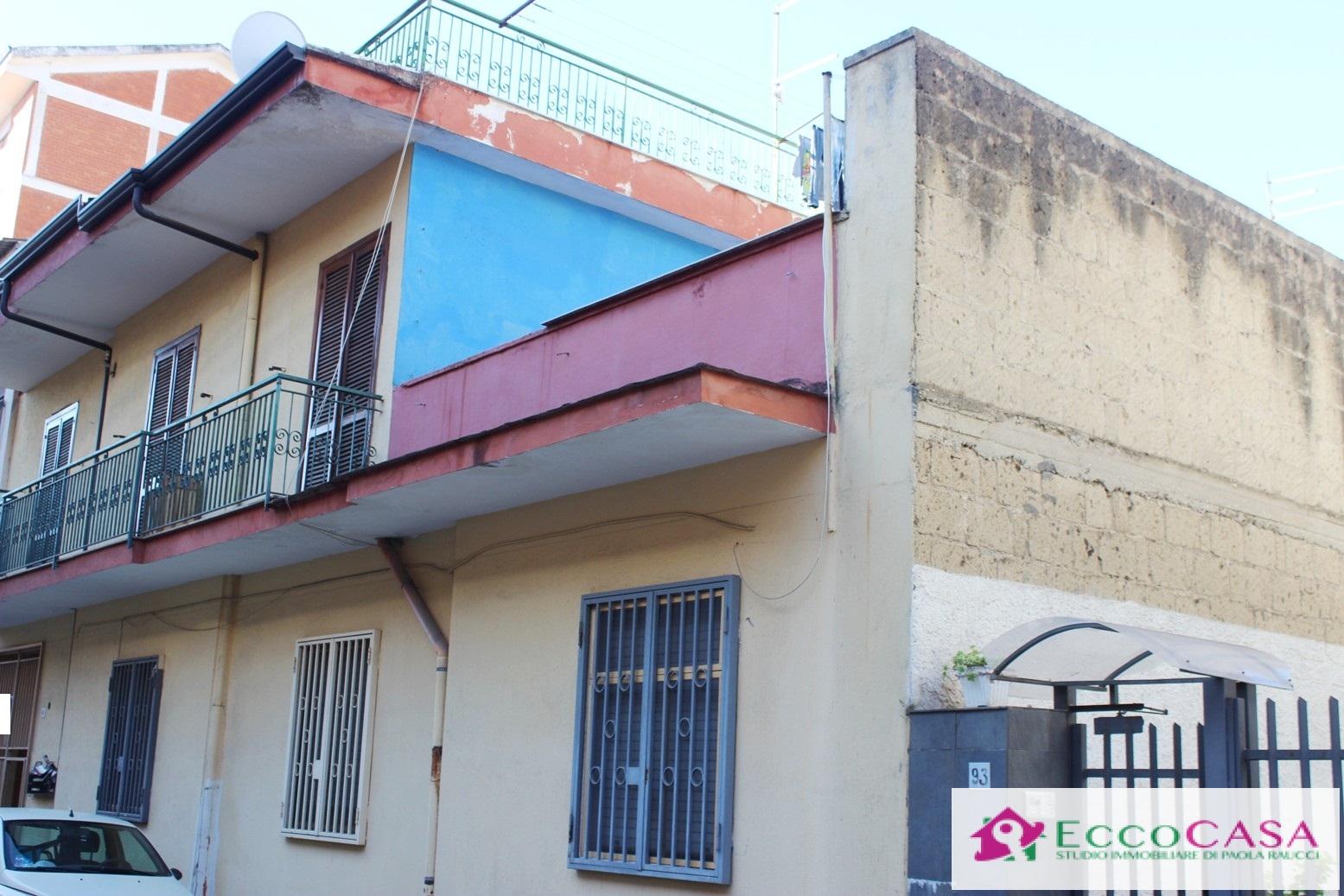 Appartamento in vendita a Maddaloni, 2 locali, prezzo € 50.000 | CambioCasa.it