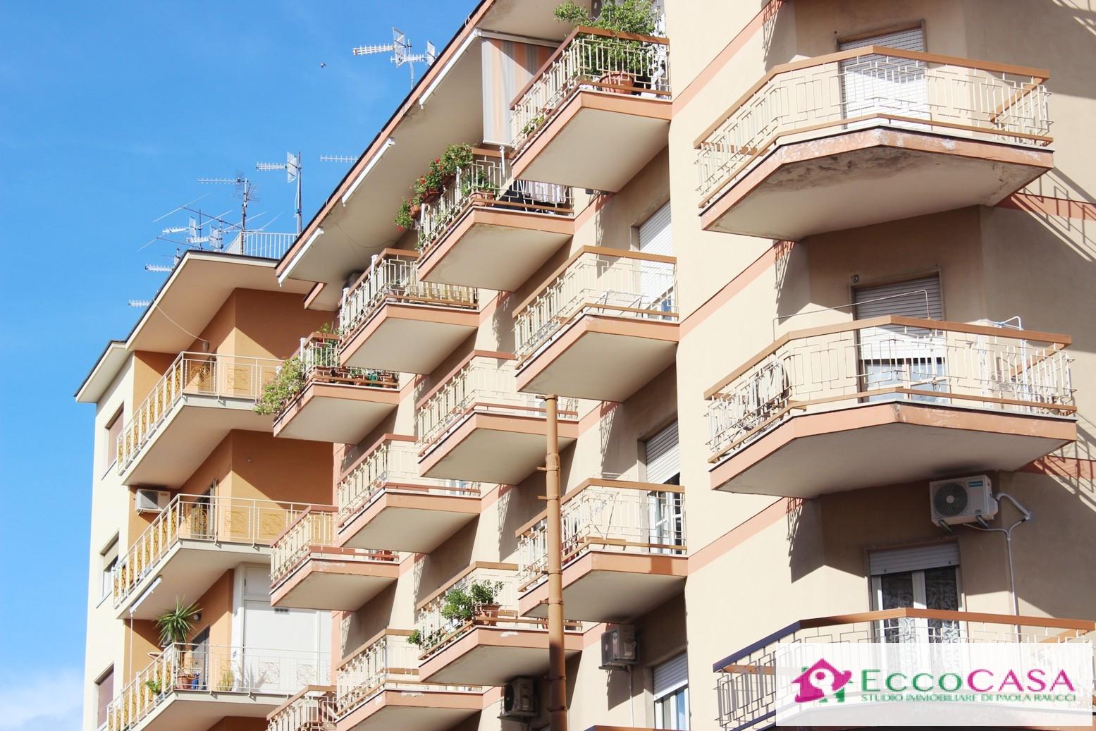 Appartamento in vendita a Maddaloni, 4 locali, prezzo € 128.000 | CambioCasa.it