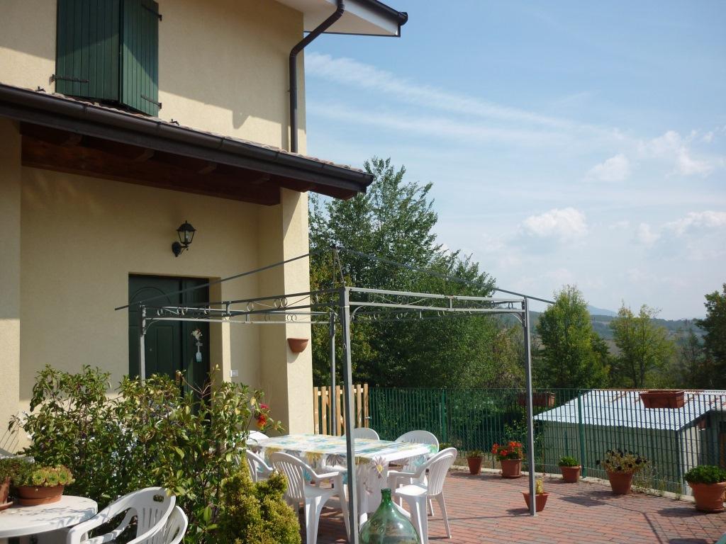 Appartamento in vendita a Gaggio Montano, 4 locali, zona Zona: Bombiana, prezzo € 140.000 | CambioCasa.it