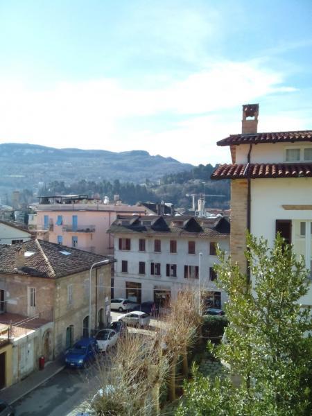 Appartamento in vendita a Ascoli Piceno, 5 locali, zona Località: BorgoSolestà, prezzo € 160.000 | Cambio Casa.it