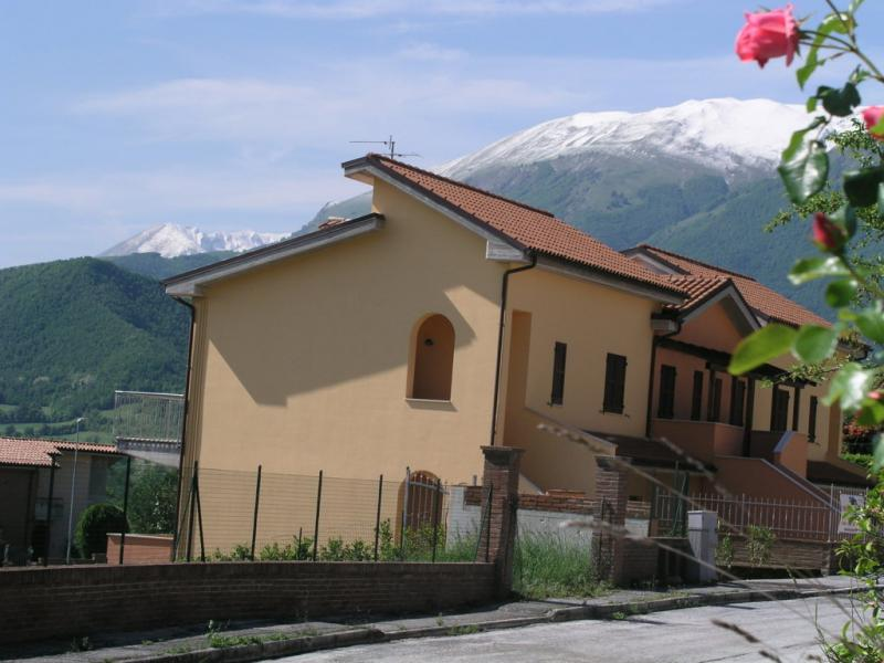 Appartamento in vendita a Sarnano, 2 locali, prezzo € 110.000 | Cambio Casa.it