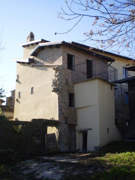 Soluzione Indipendente in vendita a Venarotta, 6 locali, zona Zona: Capodipiano, prezzo € 100.000 | Cambio Casa.it