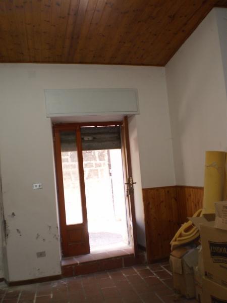 Laboratorio in affitto a Ascoli Piceno, 9999 locali, zona Località: CentroStorico, prezzo € 300 | Cambio Casa.it