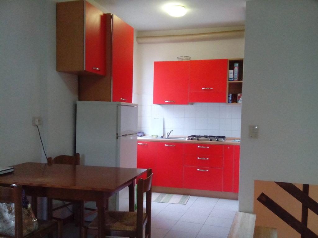 Appartamento in affitto a Ascoli Piceno, 3 locali, zona Località: CentroStorico, prezzo € 450 | Cambio Casa.it