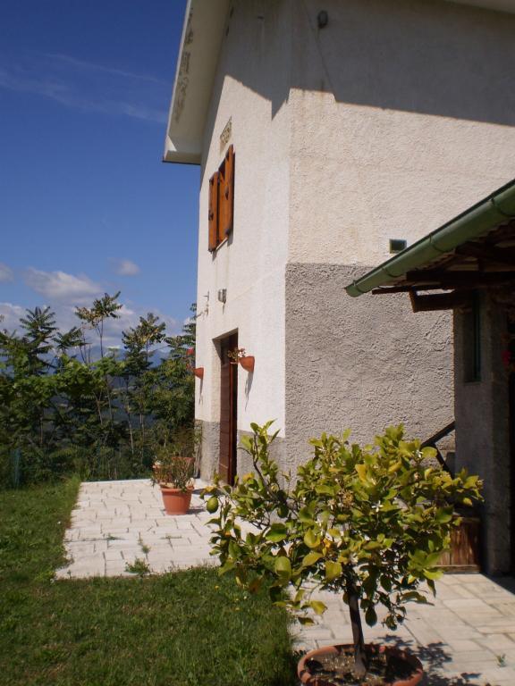 Rustico / Casale in vendita a Ascoli Piceno, 9 locali, zona Zona: Montadamo, prezzo € 140.000 | Cambio Casa.it